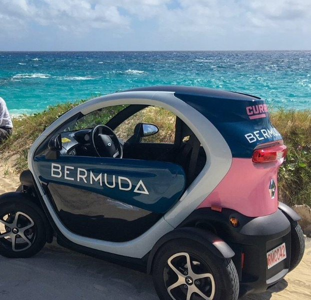 An electric Twizy that can be rented. There is a charger on the property.