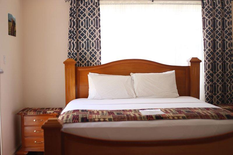 King suite, varanda com vista para o mar PVT, chuveiro, decoração em madeira