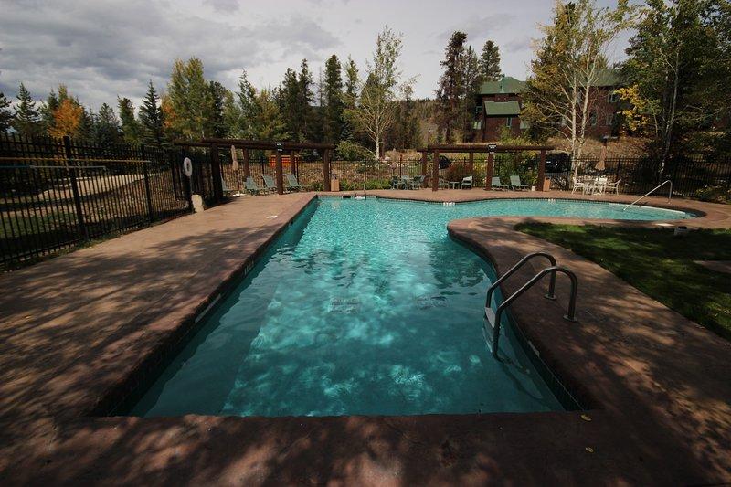 Soda Springs pool and hot tub area