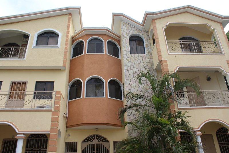 Résidence Notre Dame du Perpétuel Secours Guesthouse/appartments, vacation rental in Port-au-Prince