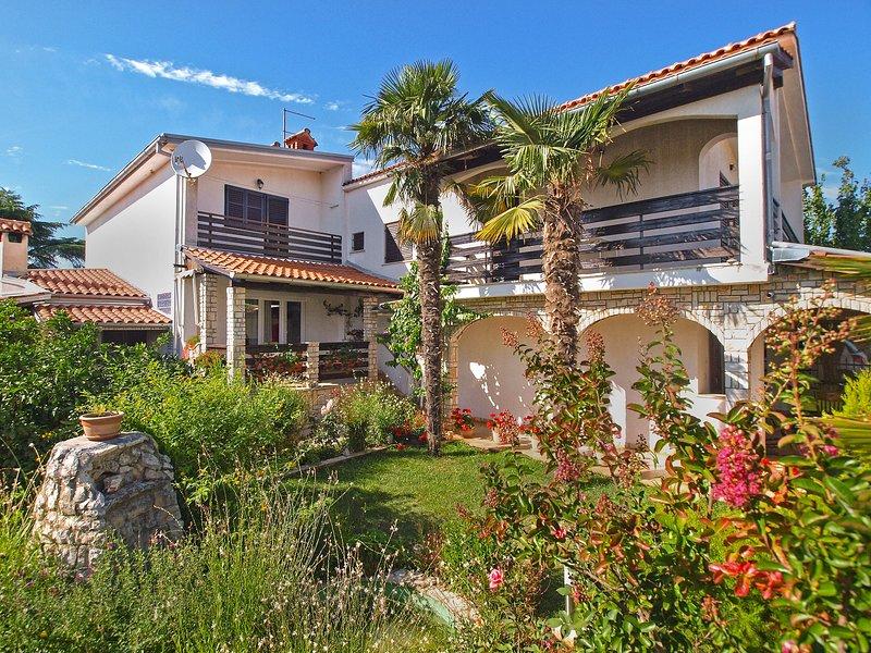 Apartment 2441, holiday rental in Peroj