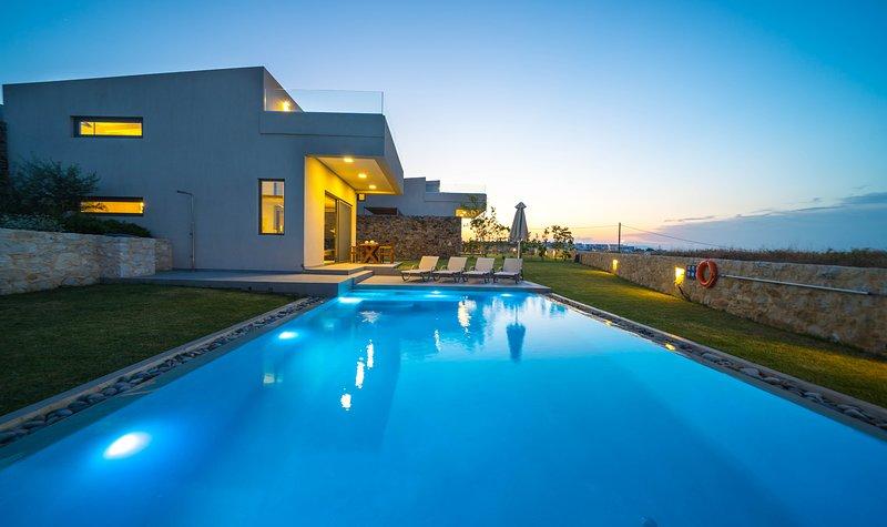 Iskios Luxury Seaview Villa, Agia Marina Chania, location de vacances à Agia Marina