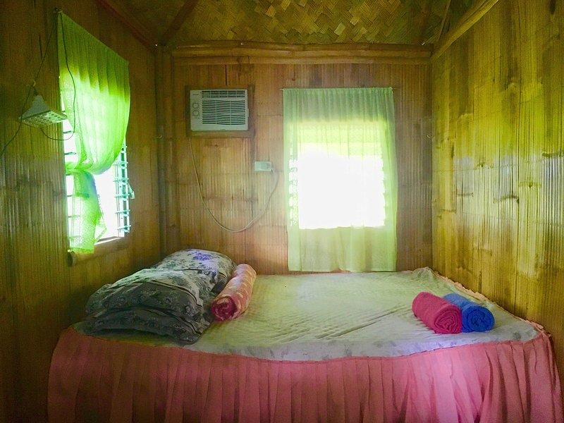 CasaVerde,Eco Place w/ Pool in Greenfields View + Tours, holiday rental in Laguna Province