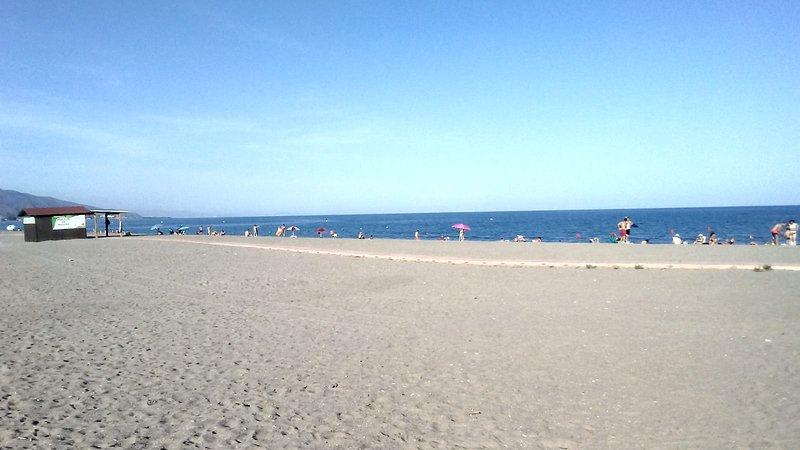 Duplex a 100 metros de la playa. Puerto Rey. Vera, holiday rental in Puerto Rey