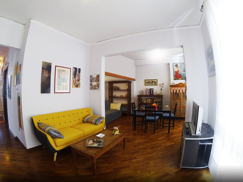Beautiful apartment with balcony, holiday rental in Fuorigrotta