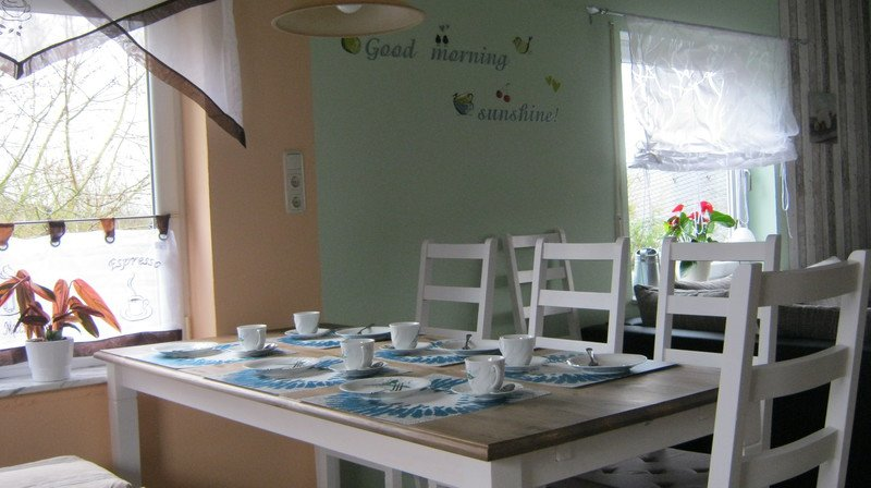 Dining area eat-in kitchen
