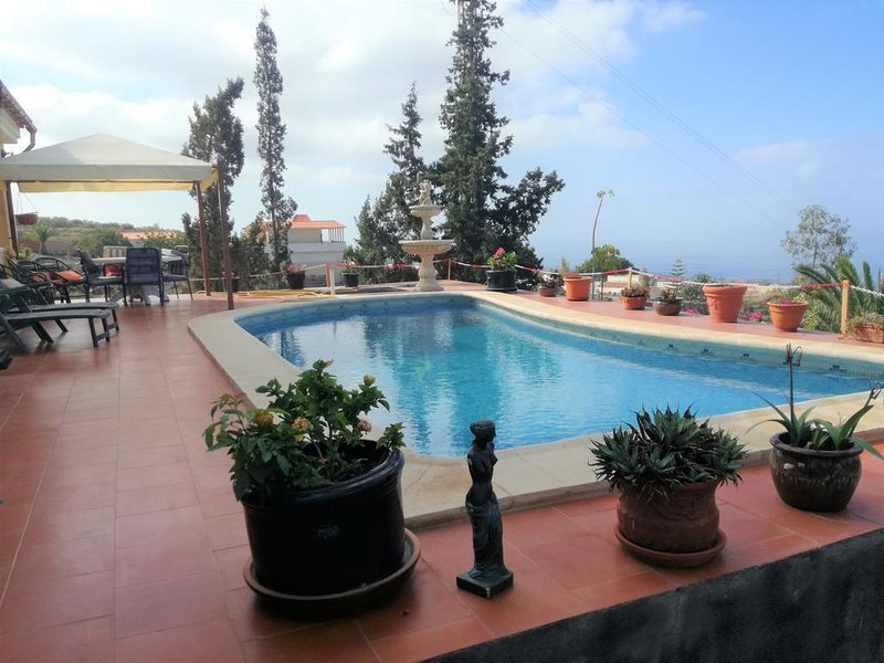 Villa Cloisters, holiday rental in Playa de la Arena