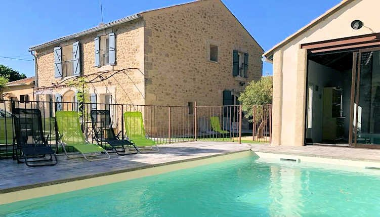 Caux holiday home in France with private pool sleeps 10, vacation rental in Lezignan-la-Cebe