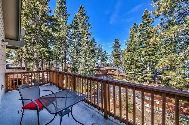 Luxury Lake View Deck
