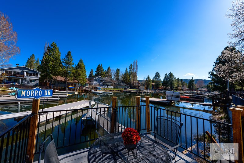 MV25: Waterfront Tahoe Keys Home, vacation rental in South Lake Tahoe