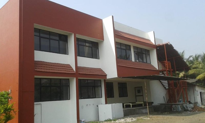 LSQ Creekside (Bedroom 5), vacation rental in Alibaug