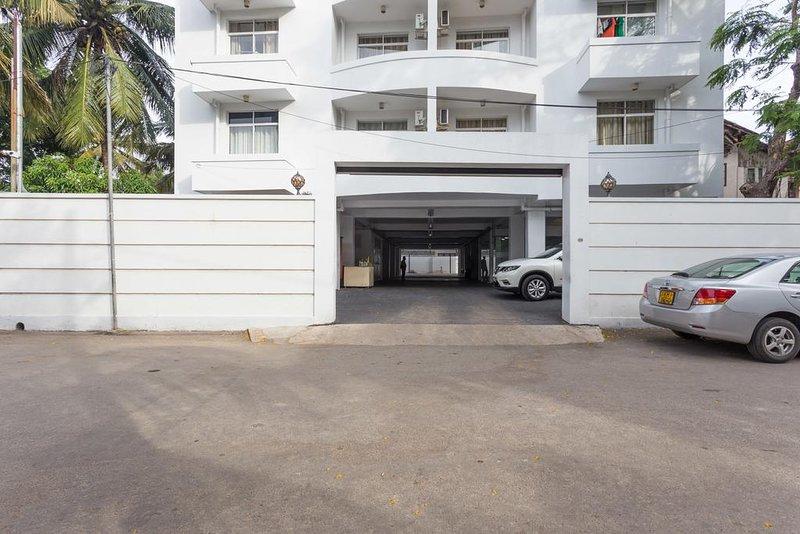 Akara Residences and Serviced Apartments 3, vacation rental in Dehiwala-Mount Lavinia