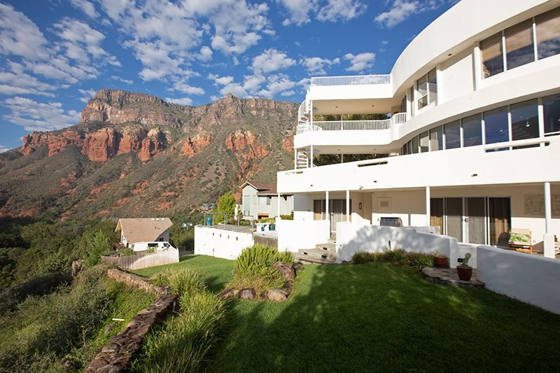 Spectacular Panoramic Views!! Grecian Style Home in Oak Creek Canyon! - S089, Ferienwohnung in Sedona