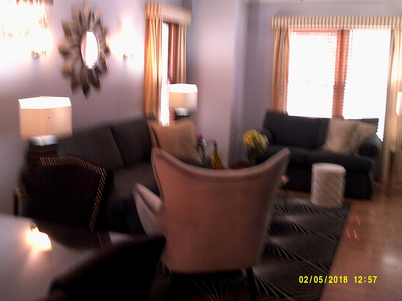 Beautiful Experience, only hom heated pool/ 2 fireplaces, steps to water/ town, vacation rental in Saugatuck
