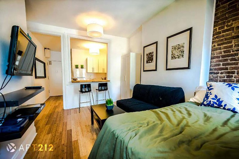 new york holiday apartment 11777 has parking and air conditioning