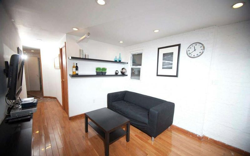 new york holiday apartment 11648 has air conditioning and parking