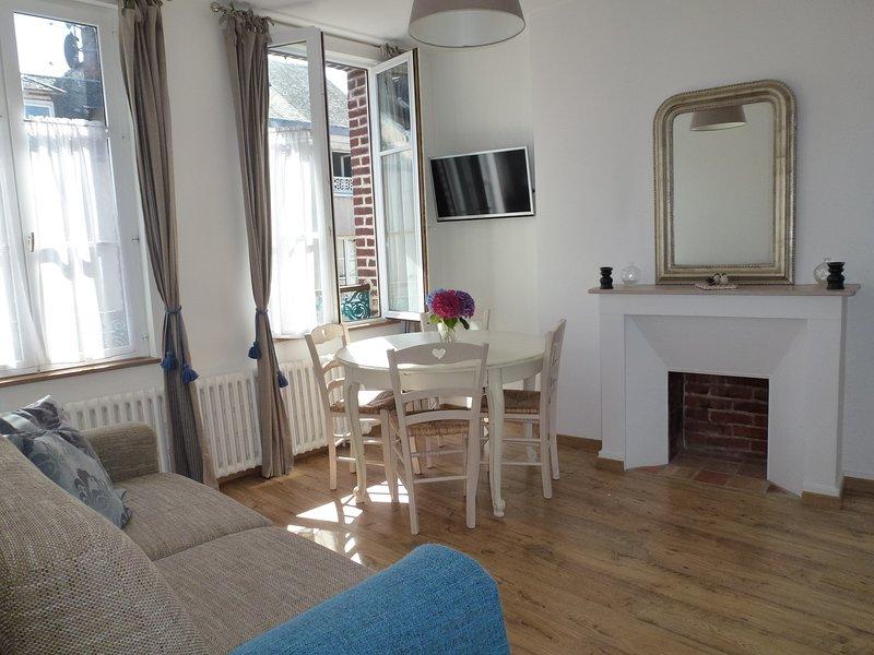 Charming apartment center Honfleur., holiday rental in Honfleur