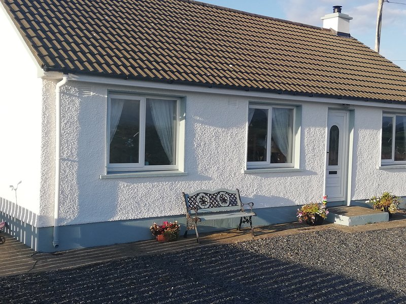 Peggy's Cottage, vacation rental in Ballyliffin