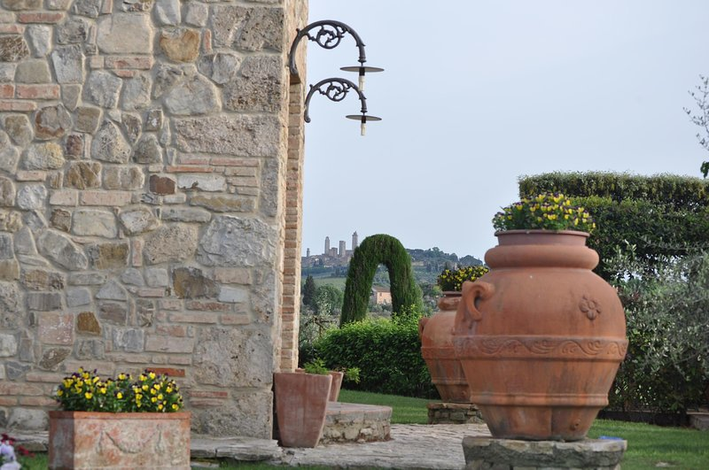 San Gimignano Top Location,4DBL en suite,air conditioning,private pool,TOP view, holiday rental in San Gimignano