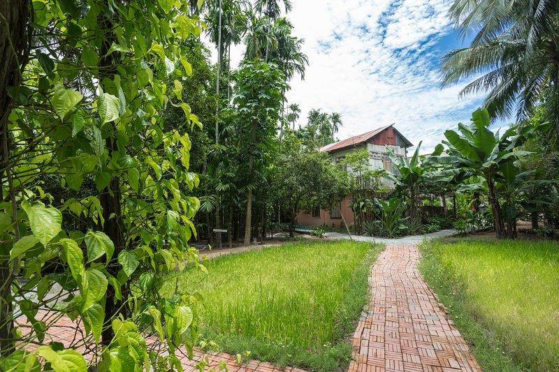 Roluos Burann ancient resort (7BR), Ferienwohnung in Siem Reap
