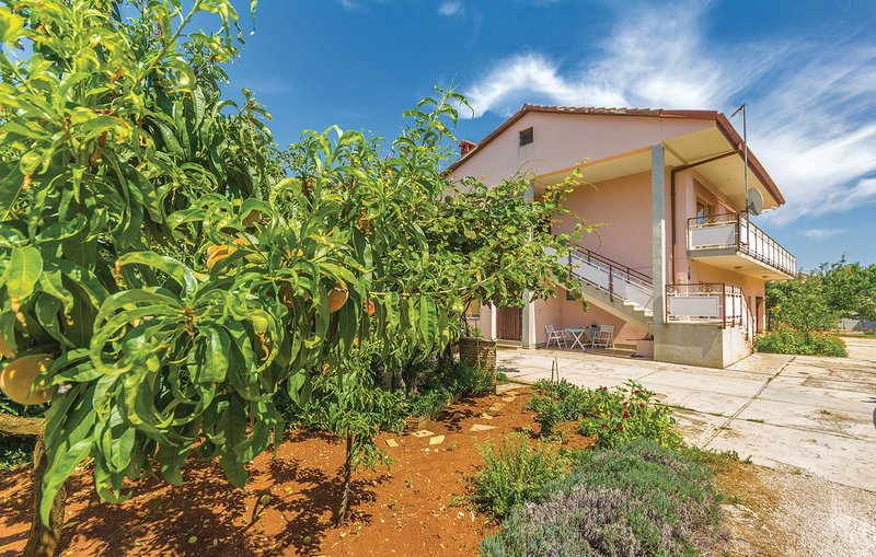 Apartment 2214, holiday rental in Valbandon