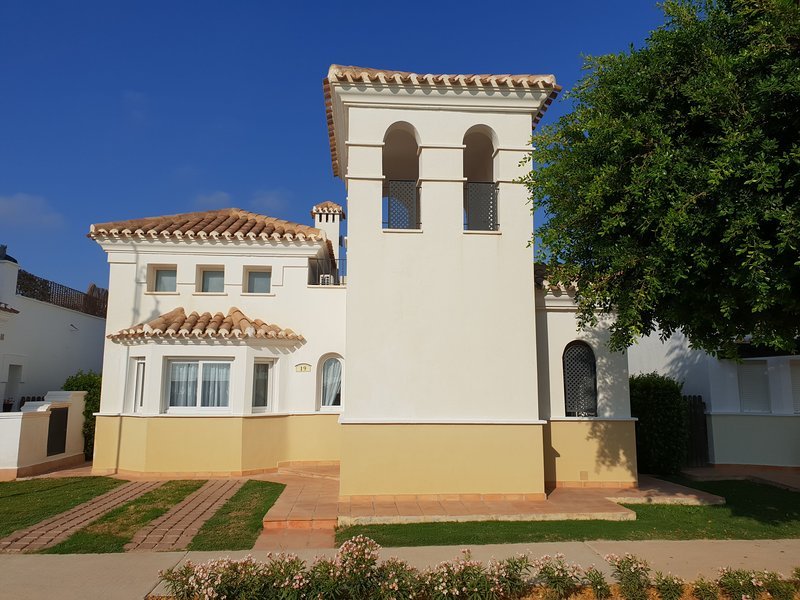 2 Bed 2 Bath Villa near Beaches on gated Golf Resort Preview listing – semesterbostad i Roldan