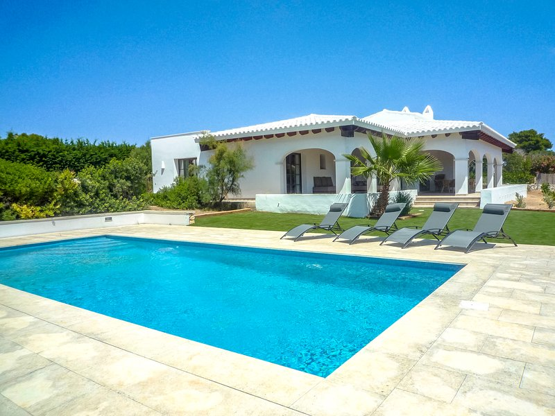 Catalunya Casas: Villa Clarita with pool, only 600 m to Menorca beaches! – semesterbostad i Sant Climent
