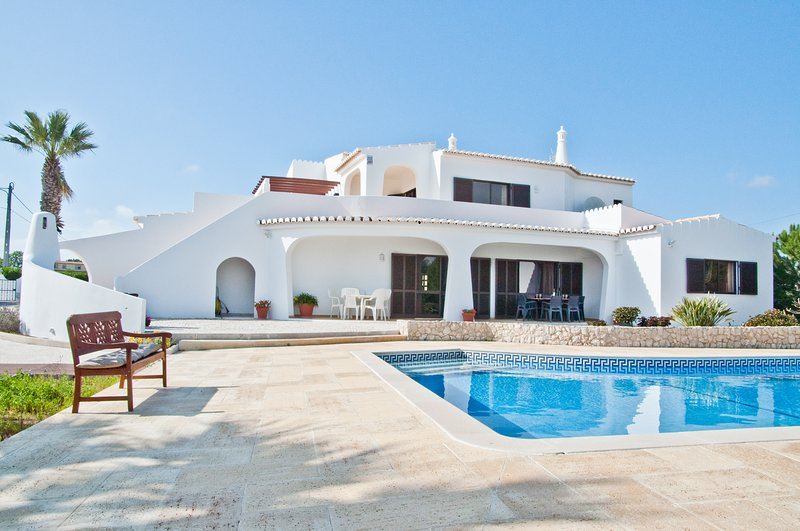 Casa das Areias, Holiday villa in Porches, Algarve, aluguéis de temporada em Porches
