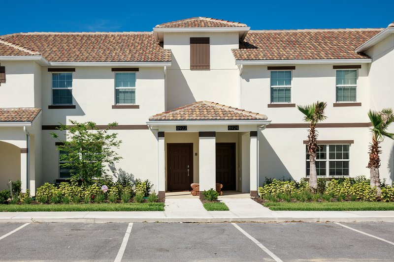 The retreat at championsgate resort vacation homes to rent in orlando front view of the home