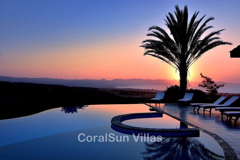 ELITE - 6 Bedrm - Brilliant Villa Sleeps 15, Gym, Billiard, Amazing Pool, holiday rental in Paphos District