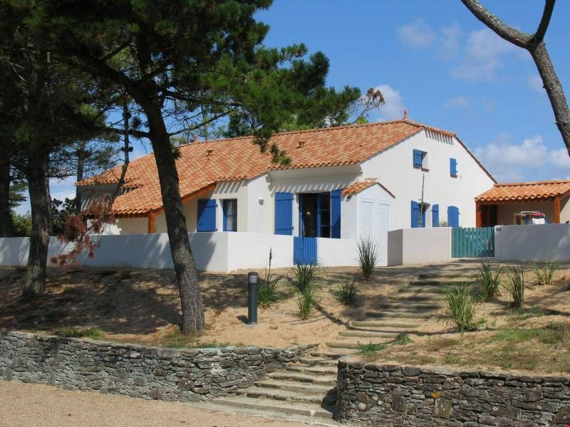 Welcome to your home away from home in gorgeous Saint-Hilaire-de-Riez.