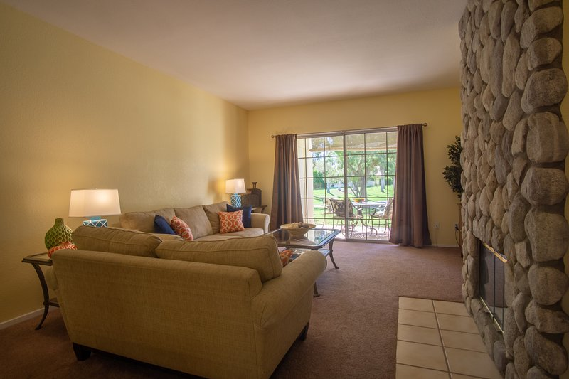 Wonderful 2 bedroom Condo in Palm Desert., vacation rental in Palm Desert