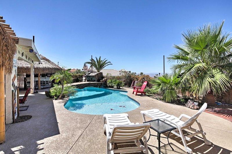 Tropical Lake Havasu Paradise w/ Pool & Tiki Bar!, holiday rental in Lake Havasu City