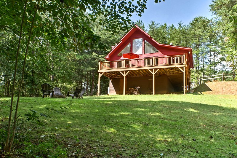 Enjoy amazing views of the forest from this 2-bedroom, 2-bath cabin.
