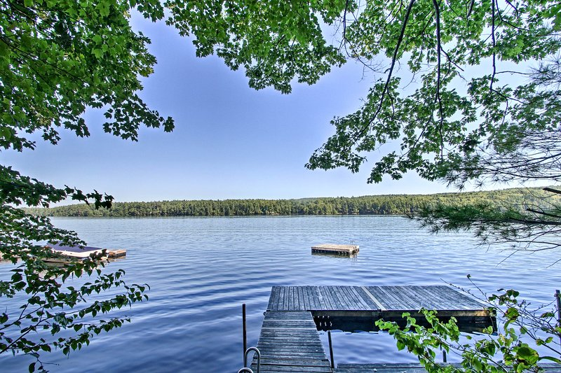 This lake escape is the perfect year-round retreat for nature lovers!