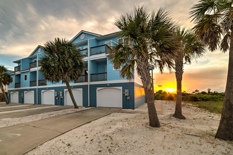 Enjoy a Sunshine State getaway at this 3BR, 2.5 BA vacation rental townhome!