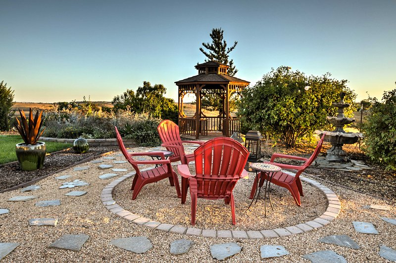 Hilltop Paso Robles Retreat w/ Breathtaking Views!, holiday rental in Creston