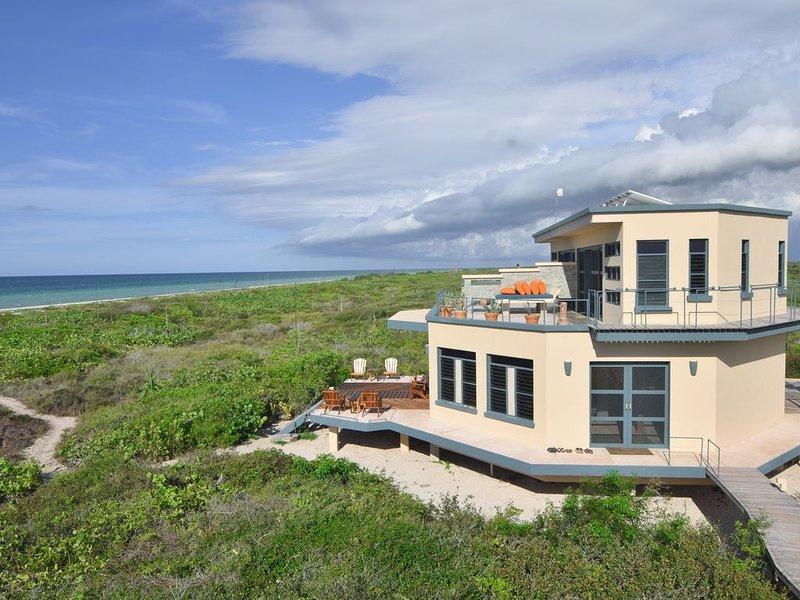 Nirvana Blue Luxury Botique Eco-Villa, holiday rental in Rio Lagartos