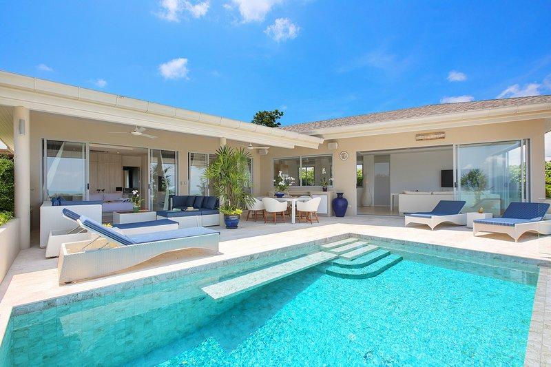 3 Bedroom Ocean View Infinity Pool Bungalow, alquiler vacacional en Plai Laem