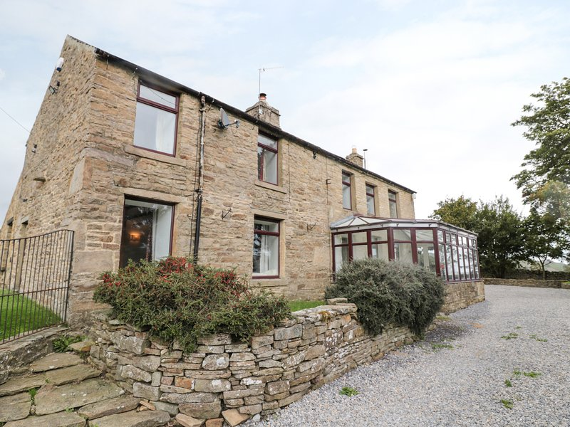 CHESTER HOUSE, woodburners, underfloor heating, near Alston, holiday rental in Rookhope