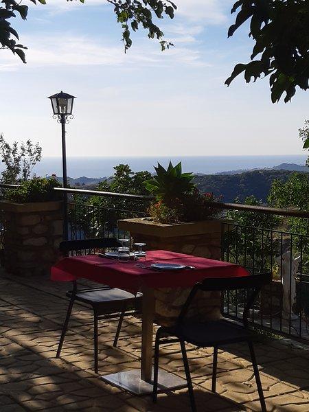 Nice studio with shared pool & Wifi, vakantiewoning in San Sostene