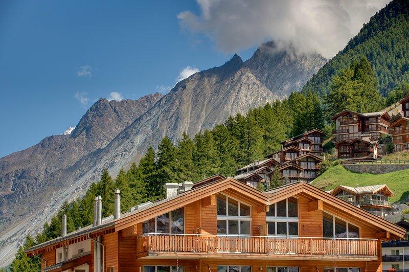 Penthouse Southfacing - 180 metros quadrados com vistas incomparáveis de Zermatt e Matterhorn.