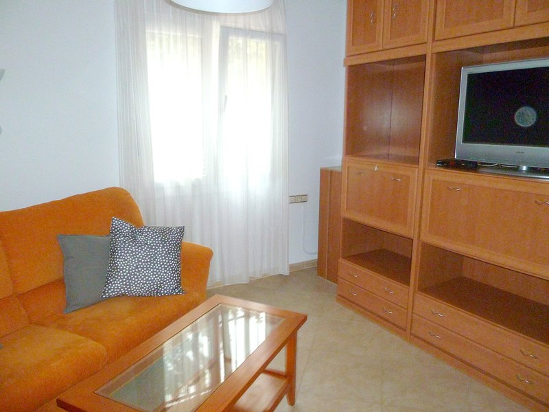 Beautiful apt in Sevilla & Wifi, vacation rental in San Jose de La Rinconada