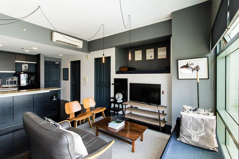 GREENBELT MODERN 1BR APT NEWLY RENOVATED, holiday rental in Makati