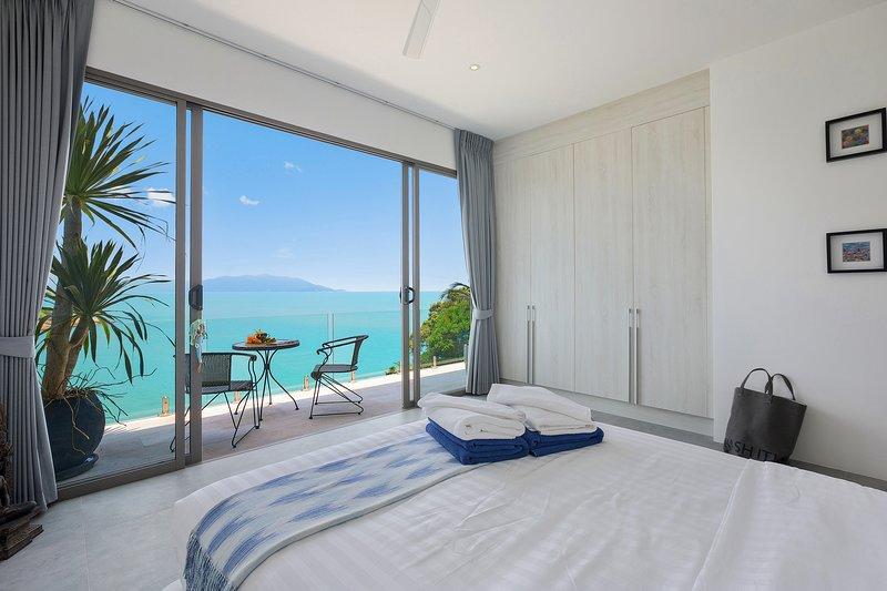 5 Bedroom Sea View Infinity Pool Villa, alquiler vacacional en Plai Laem