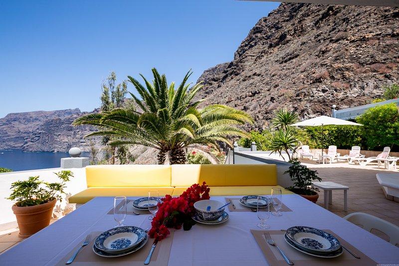 Comfortable house, amazing sea view, Los Gigantes, alquiler de vacaciones en Santiago del Teide