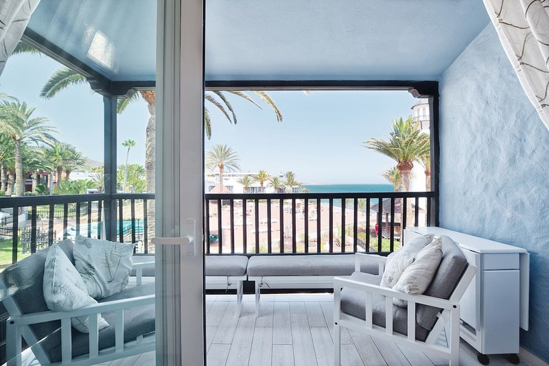EXTRA LUXORY TWO BEDROOMS APARTMENT BEACHFRONT, vacation rental in Gran Canaria