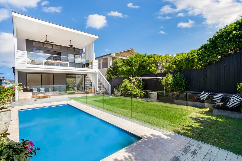Magnificent Entertainer, holiday rental in Warringah