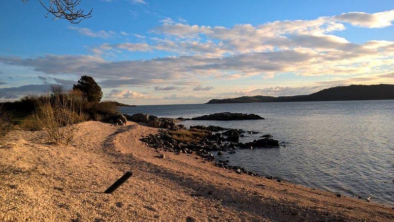 La playa de berberechos a poca distancia de Allonby Cottage.
