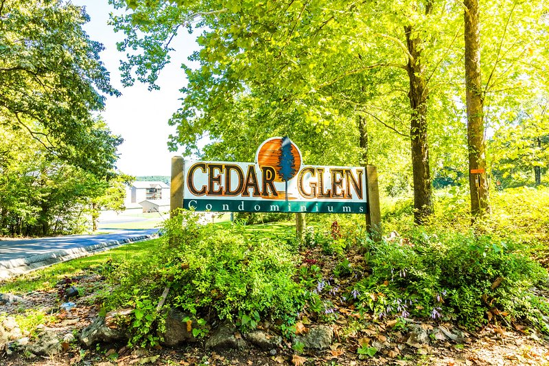 Cedar Glen Entrance
